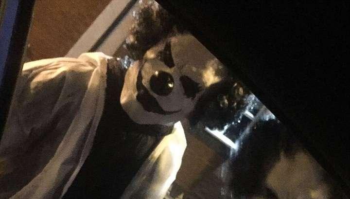 Шизофрения англосаксов: злобные клоуны маршируют по планете