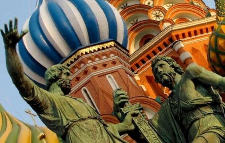 Визовому режиму Украины с Россией быть! Ибо любой абсурд обязан быть сферическим