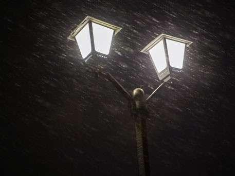 Москвичи делятся кадрами первого снега в столице