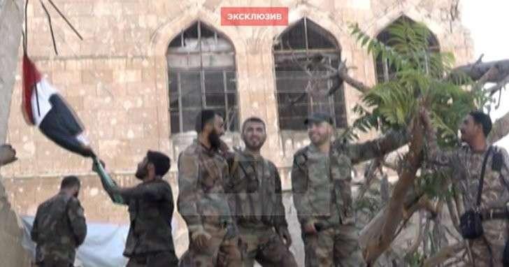 Армия САР подняла флаг в освобождённом от боевиков районе на востоке Алеппо