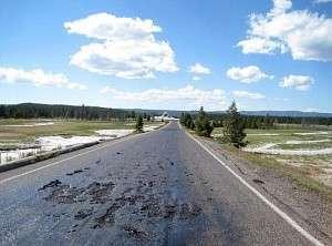 Йеллоустонский национальный парк закрыт – дороги расплавились из-за подземного огня