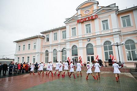 Два железнодорожных вокзала открыли после реконструкции в Оренбургской области