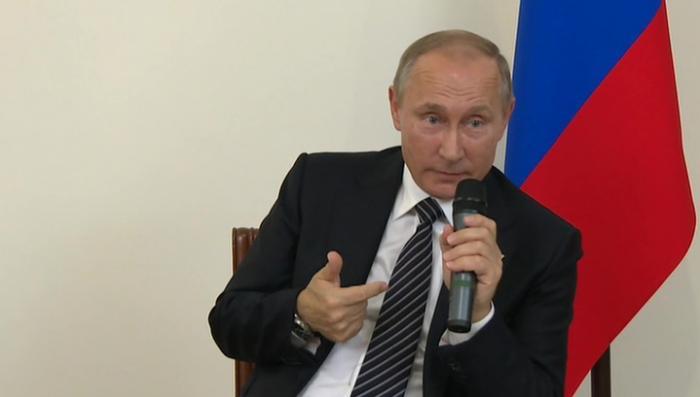 «Фиг вам»: Владимир Путин о санкциях, отношениях с США и прослушке