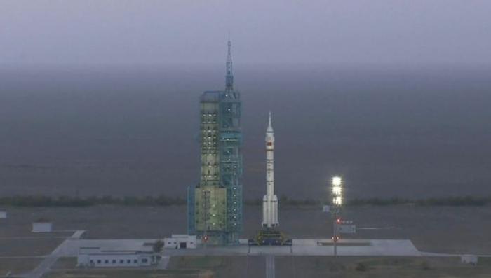 На китайскую орбитальную станцию отправился первый экипаж