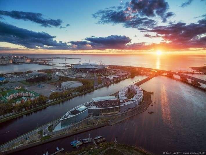 Санкт-Петербург, Крестовский остров, сентябрь 2015 и октябрь 2016 года