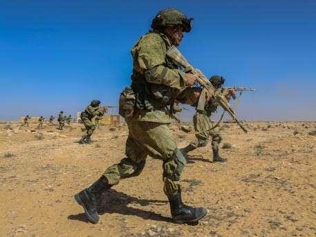 Российско-египетские учения «Защитники дружбы – 2016» проходят в пустыне на севере Африки