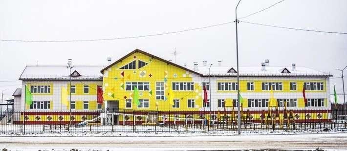 12. В якутском селе Туора-Кюель введена в строй новая школа Сделано у нас, политика, факты