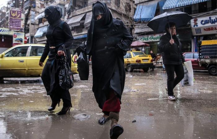 Россия и Сирия продлили гуманитарную паузу в Алеппо до 24 октября