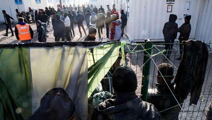 Беспорядки в Кале: беженцы забросали полицейских камнями