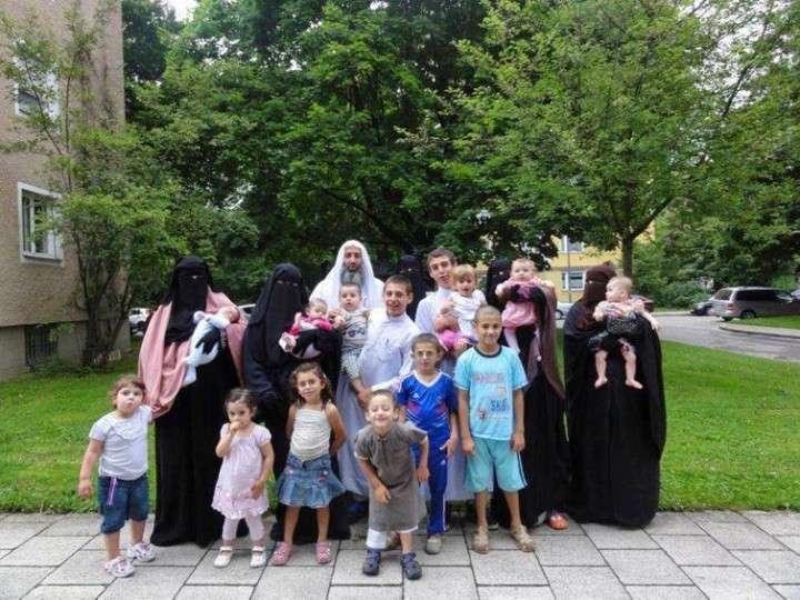 Сколько немцам стоит содержание арабских гаремов в Германии?