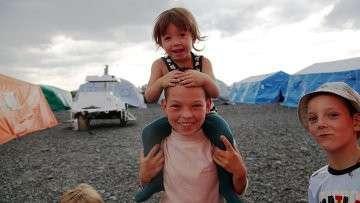 Дети в лагере для беженцев с Украины в Черниково