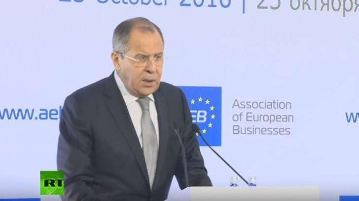 Сергей Лавров выступает на брифинге Ассоциации европейского бизнеса в Москве