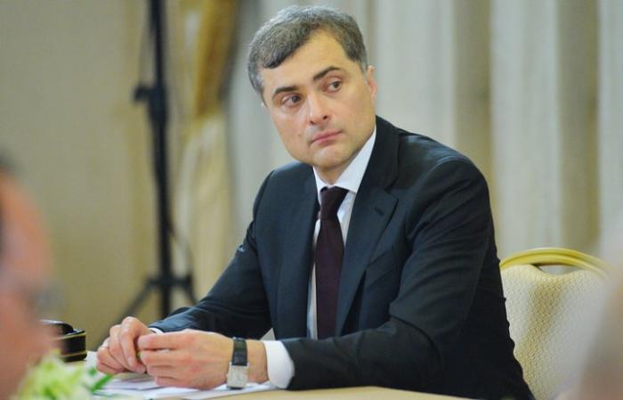 Сурков не пользуется электронной почтой, авторам его «переписки» пришлось попотеть