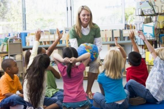 В детских садах Украины малышей учат доносить на русскоговорящих родителей