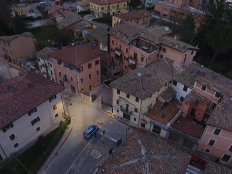 Разрушенный землетрясением город Виссо в Италии: кадры с беспилотника