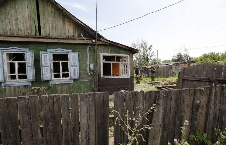 Зарубежные военные атташе осмотрели российский Донецк, обстрелянный с территории Украины