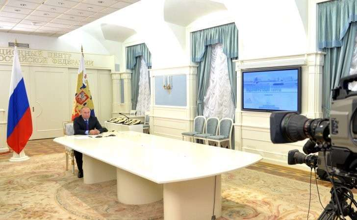 Телемост Владимира Путина с экспедицией Клуба лидеров в Антарктиде