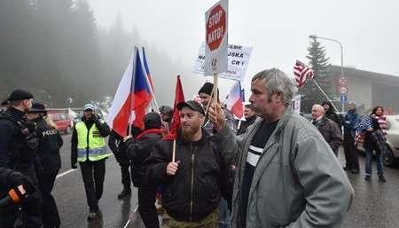 НАТОвцы ведут себя в Прибалтике, как агрессивные свиньи