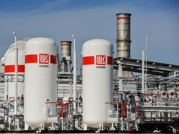 В России начали выпускать бензин стандарта Евро-6
