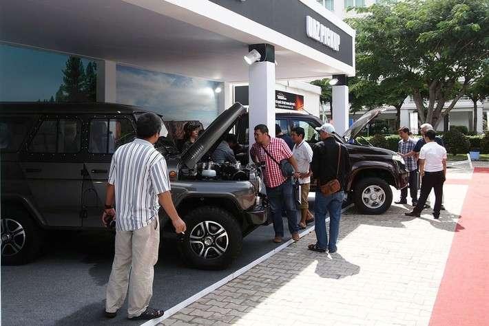 Автомобили УАЗ показали на Vietnam International Motor Show 2016