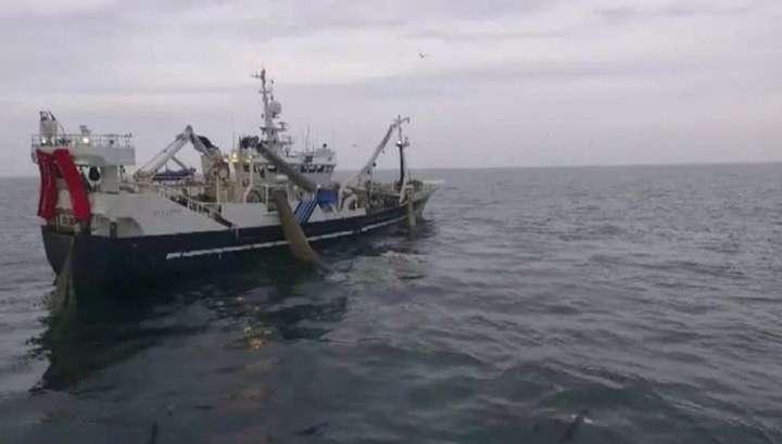 Курильские рыболовы получили новый современный траулер