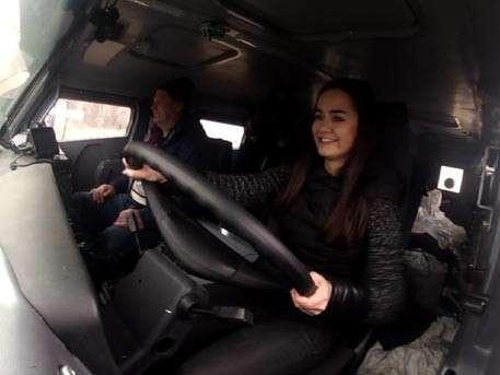 Корреспондент «Звезды» провела тест-драйв новой модификации бронеавтомобиля «Патруль»