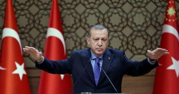 Эрдоган заявил, что пути Турции и Запада разошлись