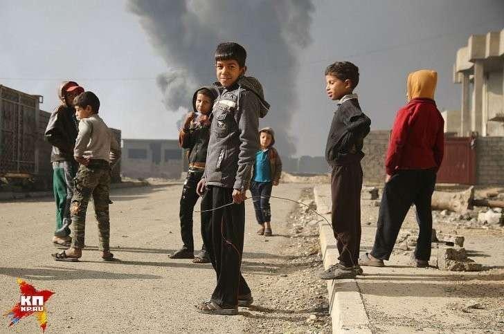 Говорят, исламисты поначалу запретили ходить в школу, но потом разрешили учиться за деньги. Фото: Александр КОЦ, Дмитрий СТЕШИН