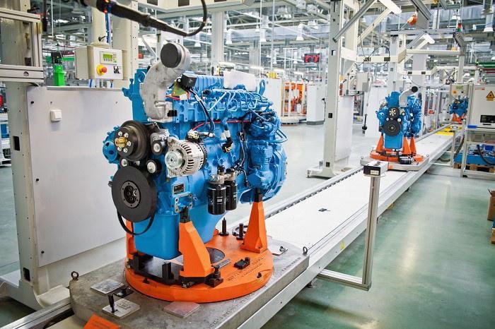 Репортаж о производстве средних рядных двигателей на Ярославском Моторном Заводе