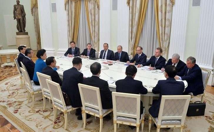 Встреча сПремьером Государственного совета Китайской Народной РеспубликиЛи Кэцяном.