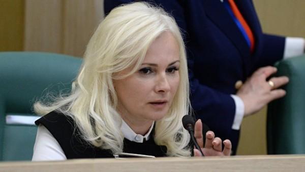2 года назад Ольга Ковитиди служила Хунте. А теперь она сенатор и предлагает России свою идеологию