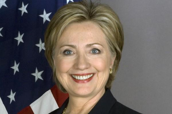 После тяжёлых выборов Клинтон поправляет нервы в лесу с супругом