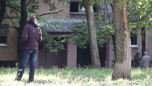 Подъезд дома в Донецке, в котором при взрыве в лифте погиб командир одного из подразделений ополчения ДНР Арсен Павлов, известный под позывным Моторола