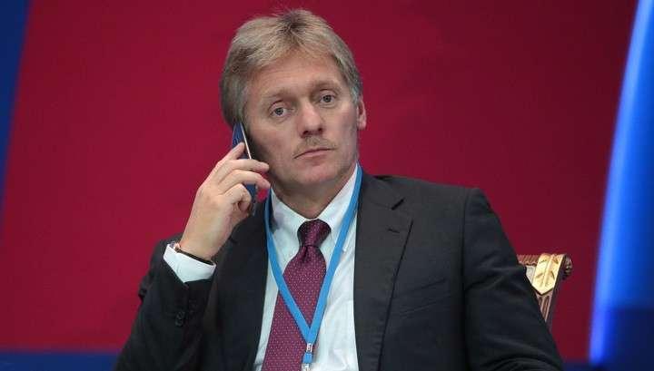 Дмитрий Песков подчеркнул, что Владимир Путин ко всем кандидатам в президенты США относился ровно