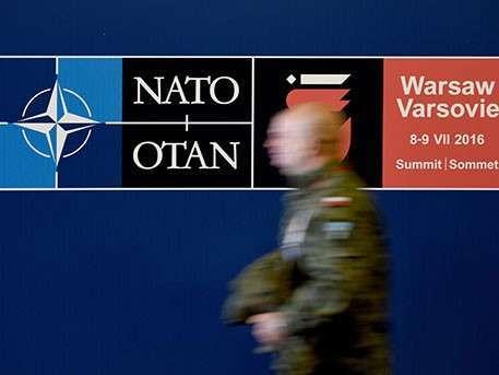 Руководство НАТО сидит на чемоданах – эксперт о переносе саммита