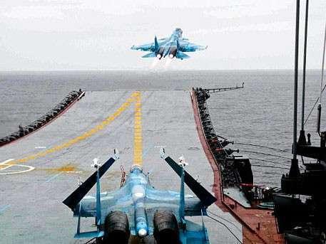 Палубная авиация «Адмирала Кузнецова» начала полеты у берегов Сирии