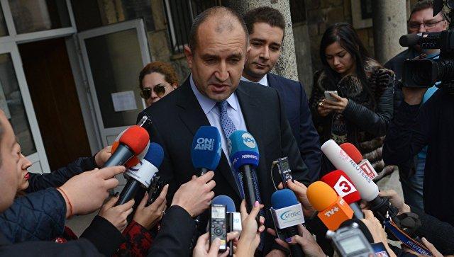 Exit poll: пророссийский Радев лидирует на выборах в Болгарии с 58%
