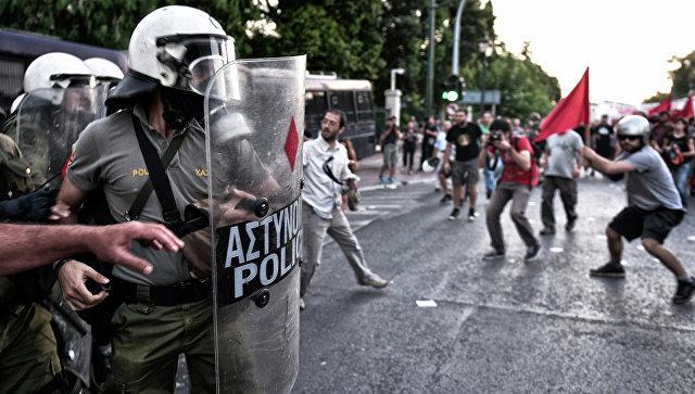 На демонстрации против визита Обамы в Грецию произошли массовые беспорядки
