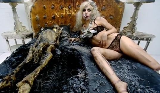 Чему учат песни Леди Гаги: пропаганда секса, пошлости и извращений