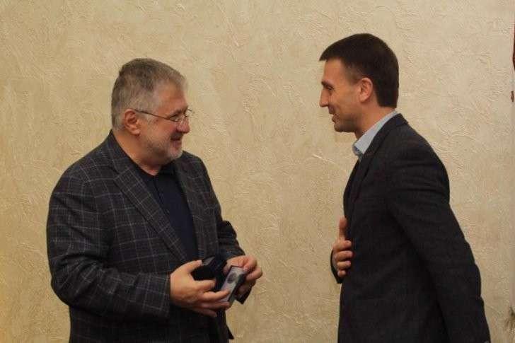 Коломойский получил медаль в день убийства Моторолы. Совпадение?