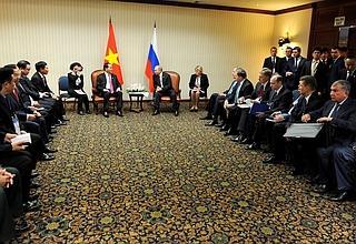 Встреча Владимира Путина с Президентом Вьетнама Чан Дай Куангом в Лиме