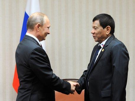 Обматеривший Обаму президент Филиппин признался в восхищении Путиным