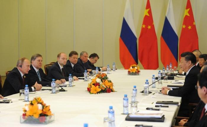 Владимир Путин в Лиме встретился с лидерами Японии и Китая