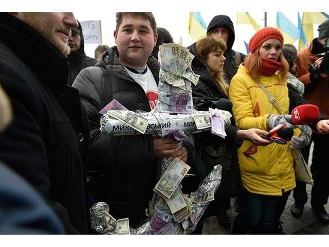 Устроит ли Юлия Тимошенко вооруженный переворот в Киеве в годовщину майдана?