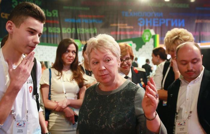 Министр Ольга Васильева считает, что талантливые дети не должны уезжать из регионов