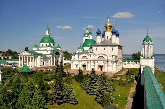 В «Золотое Кольцо» России входят всего восемь городов