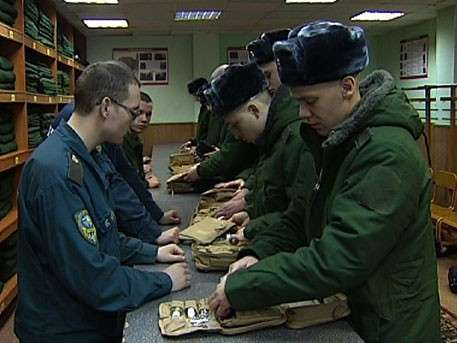 Новобранцы по всей России пополняют ряды Вооружённых Сил страны
