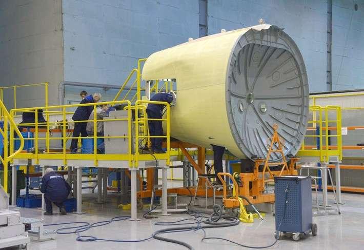 17. АО «Авиастар-СП» отправило в Иркутск подкилевой отсек для третьего самолёта МС-21 Сделано у нас, политика, факты