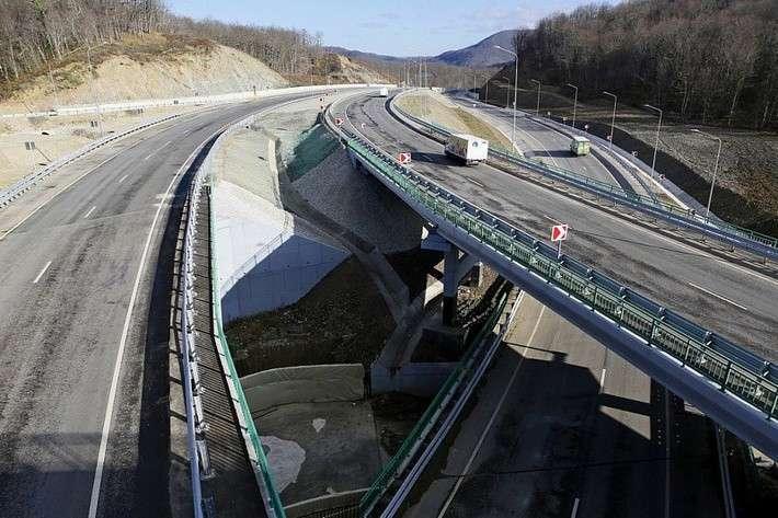 В Краснодарском крае на трассе М-4 «Дон» открыли новую трёхуровневую развязку