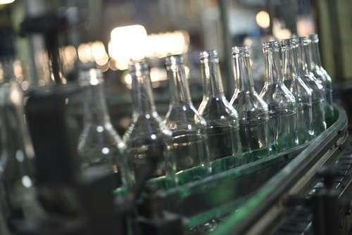 20. Линию по производству цветных бутылок запустили на стеклозаводе «Экран» в Новосибирске Сделано у нас, политика, факты